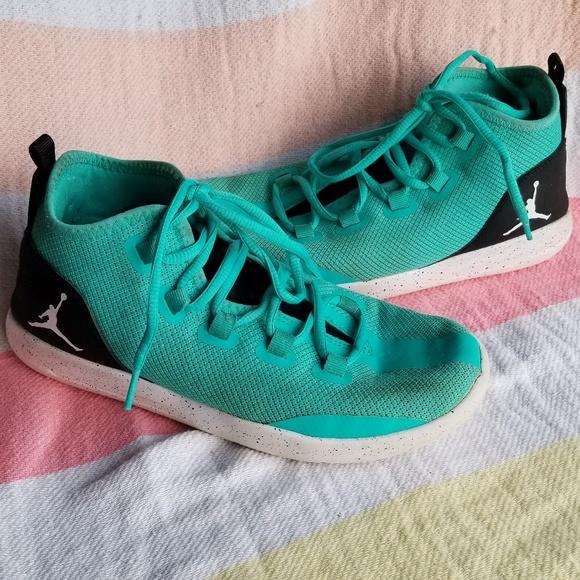 Girls Jordan Reveal basketball shoes